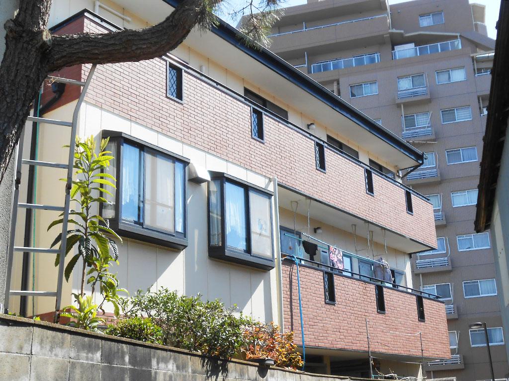 ハイツ型集合住宅の外壁塗装ビフォー1
